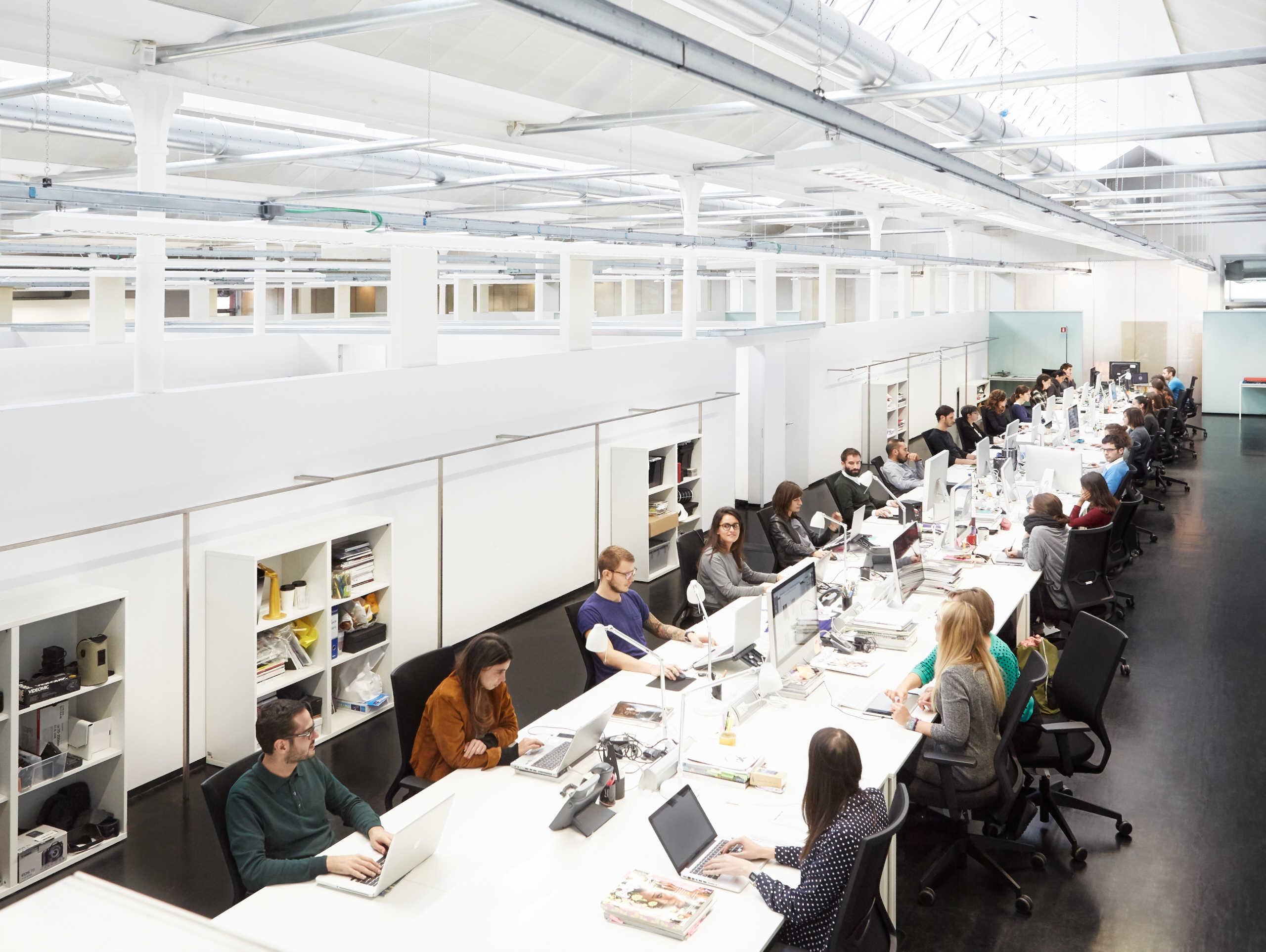 Uffici Yoox Milano : Ynap u2013 un ambizioso piano di crescita cavalcando le potenzialità del